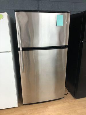GE stainless steel top freezer refrigerator for Sale in Woodbridge, VA