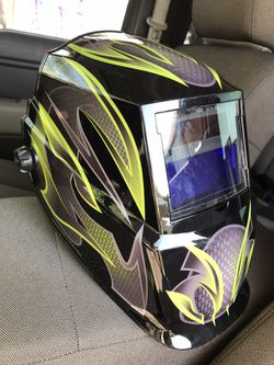 Lincoln Electric Welding Mask for Sale in Dallas, TX
