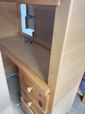 Desk with 2 drawers for Sale in Brandywine, MD