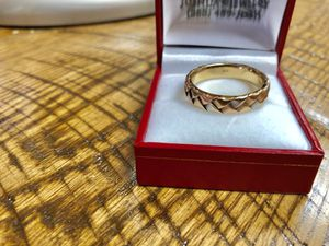 Beautiful 3 gold ring for Sale in Vernon, CA