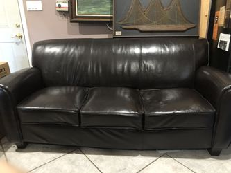 Leather sofa for Sale in Los Angeles,  CA