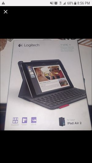 Logitech iPad air 2 case and integrated key board for Sale in Chicago, IL