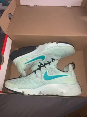 Nike running shoes for Sale in Florissant, MO