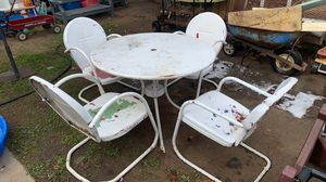 Vintage metal motel table and four chairs for Sale in Diamond Bar, CA
