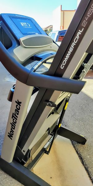 FREE DELIVERY 💥 NordicTrack Commercial 2450 Treadmill Treadmills ✅ WARRANTY / Retail $2400 !! 🚫 for Sale in Las Vegas, NV