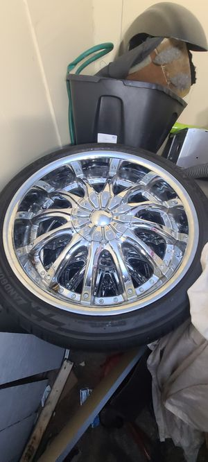 "20"" Decenti rims with brand new low profile perrellis tires 5 lug for Sale in Lakewood, WA"