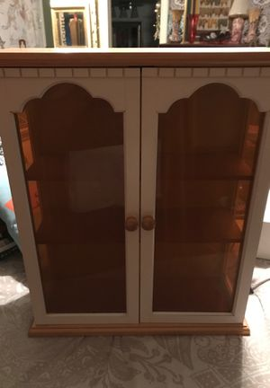 Hindu look curio cabinet. for Sale in Oakland Park, FL