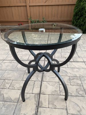 "Metal & Glass Top Round Accent Table 31"" x 32"" New for Sale in Turlock, CA"