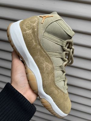 Jordan 11 Lux Olive - Size 7 for Sale in Pacifica, CA