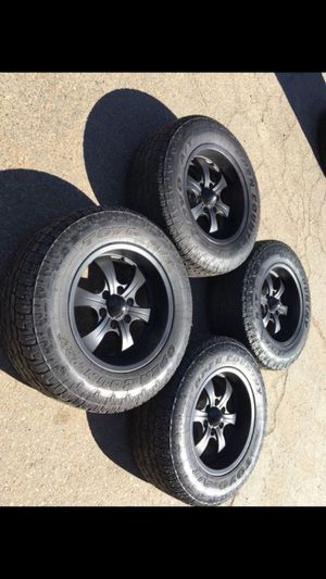 """18"""" Custom 6 lug rims black with Toyo AT tires good tread for Sale in Modesto, CA"""