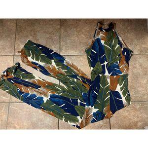 Small , tropical jumpsuit fashion nova for Sale in Compton, CA