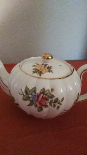 Vintage, Antique Gibsons Staffordshire Tea Pot for Sale in Lawton, OK