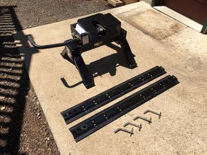 Husky 5th wheel hitch for Sale in Junction City, OR