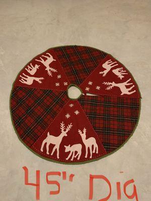 "45"" Diameter Christmas Tree Skirt for Sale in Plainfield, IL"
