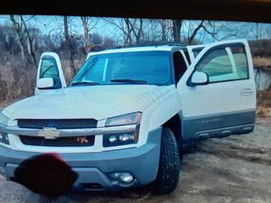 2002 chevy avalanche z71 nice sheape {contact info removed} txt for Sale in Everett, MA