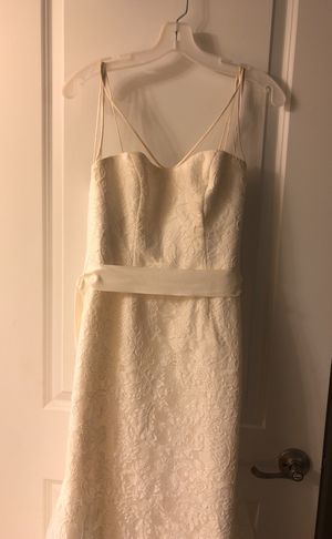 Vera Wang Wedding Gown, Size 4, Ivory. for Sale in Aldie, VA