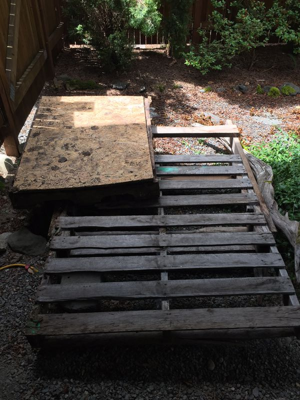 FREE WOOD- two pallets for Sale in North Bend, WA - OfferUp