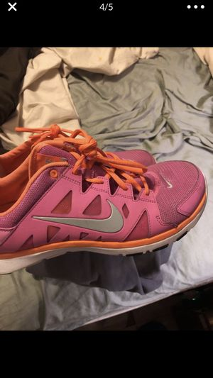 Women's Nike shoes. 9.5 for Sale in Fuquay-Varina, NC