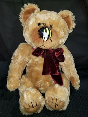 Chosun plush sitting teddy bear for Sale in Zanesville, OH