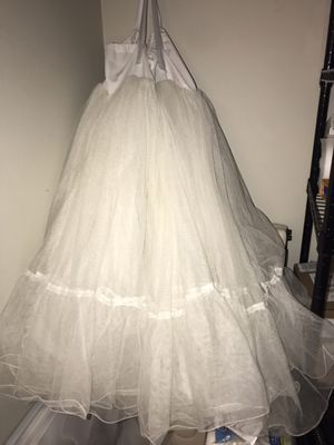 Large/Long petticoat (underskirt for wedding dress/Halloween costume) for Sale in West Hollywood, CA