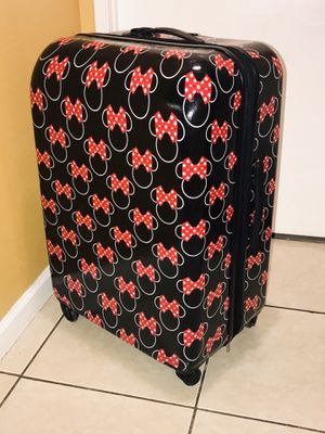 """Luggage - Disney Minnie Bows 30"""" Spinner- NEVER USED . OPEN BOX for Sale in Rialto, CA"""
