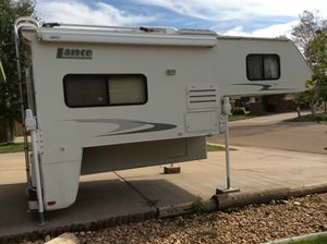 2006 Lance 915 truck camper for Sale in La Salle, CO
