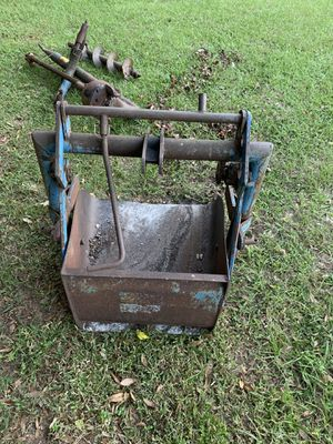 Tractor 3pt dirt scoop implement ford brand for Sale in Dade City, FL