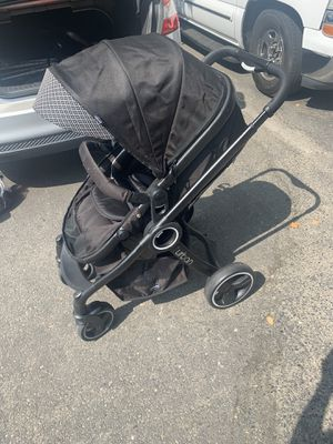 Combo Chicco urban stroller and car seat key fit 30 for Sale in Dinuba, CA