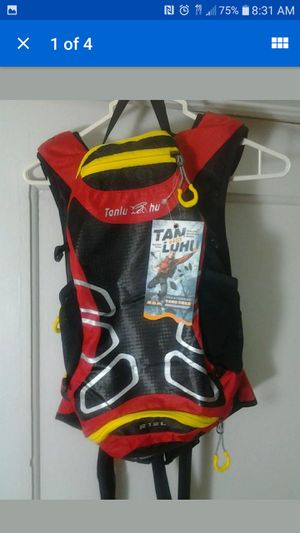 Mountain bike hiking hydration pack for Sale in Miami, FL