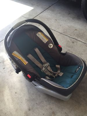 Graco baby car seat for Sale in Columbus, OH