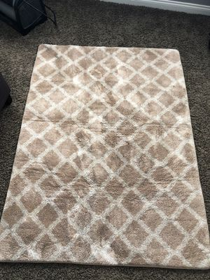 Free rug for Sale in Colton, CA