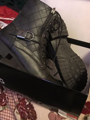 women boots G by GUESS for Sale in Houston, TX