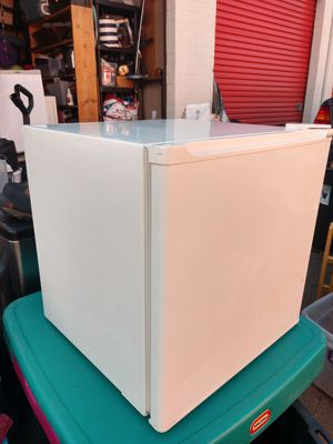 Haier Refrigerator Model HSB02, compact refrigerator with mini freezer for Sale in Denver, CO