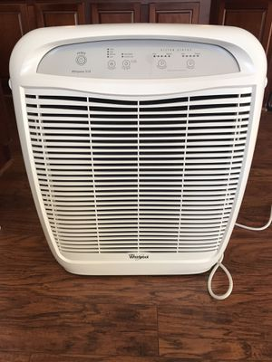 Whirlpool - Whispure 99.97% HEPA Air Purifier - Excellent Condition! for Sale in Charlotte, NC