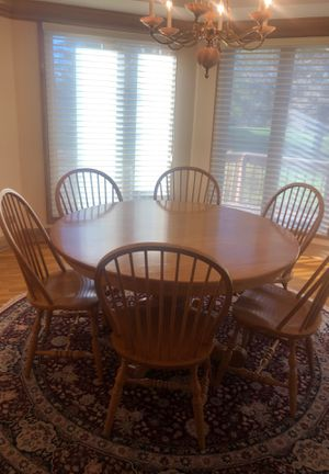 Solid wood breakfast table for 6 for Sale in Long Grove, IL