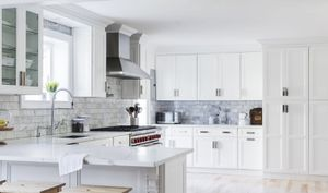 Kitchen cabinets for Sale in Tarpon Springs, FL