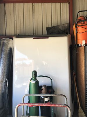 Camper shell for short bed GM for Sale in Hayward, CA