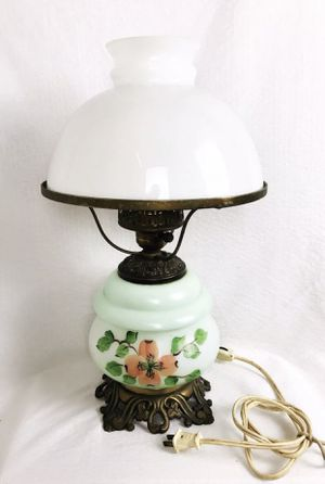 Beautiful Vintage Hand Painted Flower Design Gone With The Wind Lamp for Sale in Fort Lauderdale, FL