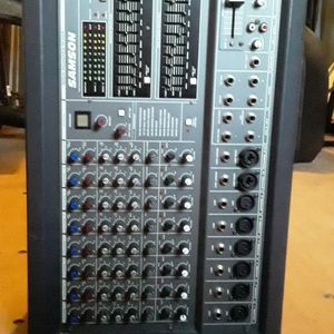Samson XM910 Powered Mixer In Mint Condition for Sale in Mt. Juliet, TN