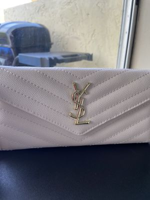 💲H I G H BRAND Woman wallet Buy now!! 💲 for Sale in Cutler Bay, FL