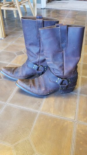 Ariat boots sz 8.5 womens for Sale in Lancaster, KY