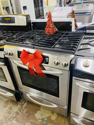 Gas stove for Sale in Bell Gardens, CA