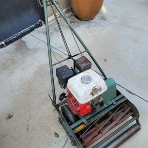 CALI TRIMMER WITH HONDA 5.5HP ENGINE FRONT THROW MOWER---$260 FIRM for Sale in Bakersfield, CA