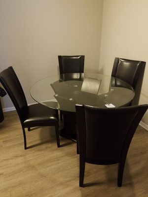 Dining table, glass top for Sale in Parkland, WA