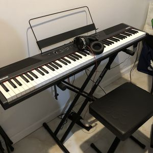 Alesis Recital R88 Keyboard w/ Stand, Bench, Headphone, Pedal, Cover for Sale in Queens, NY