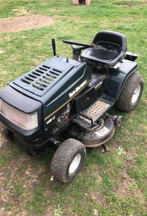 30 and up to mow lawn and weedeat for Sale in Lee's Summit, MO
