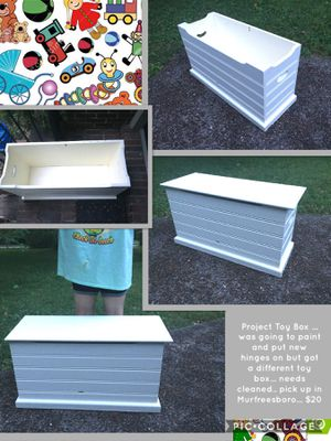 Project Toy Box ... was going to paint and put new hinges on but got a different toy box... needs cleaned.. pick up in Murfreesboro... $20 for Sale in Murfreesboro, TN