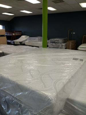 Queen serta memory foam mattress 50down same day delivery for Sale in Grove City, OH