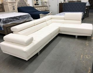 🎁BRAND NEW 🎇Antares White Modern Sectional | U7101 for Sale in Silver Spring,  MD