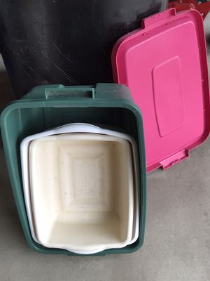 One Rubbermaid storage container and two plastic containers for Sale in Cleveland, OH